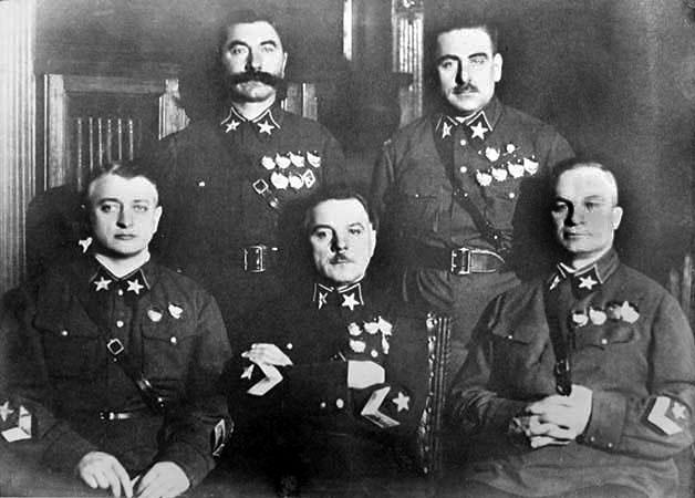 Maršál Tuchačevskij padl za oběť Stalinových čistek