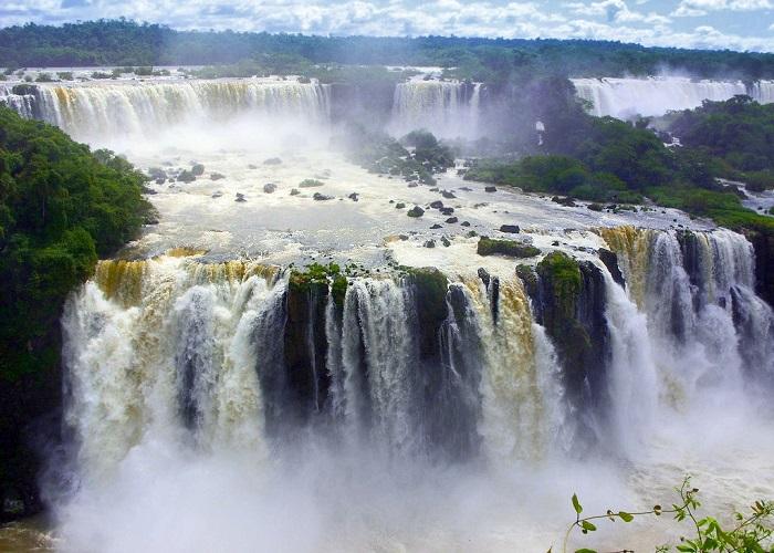 Překrásné vodopády Iguaçu