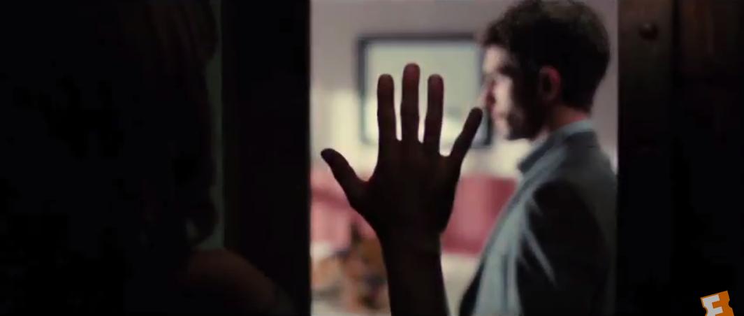 La cara oculta aneb Tvář za zrcadlem (2011)