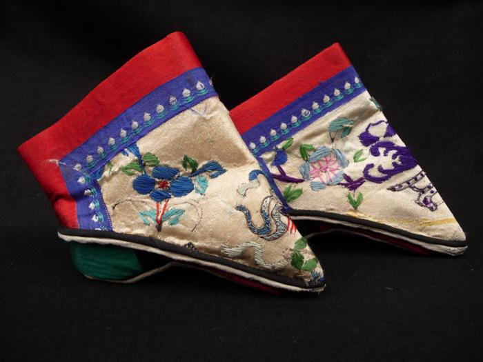 Drastická móda čínských lotosových nohou