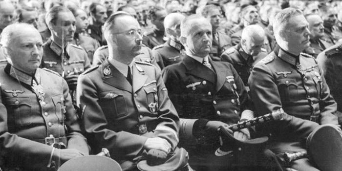 Velitel nacistických ponorek Karl Dönitz