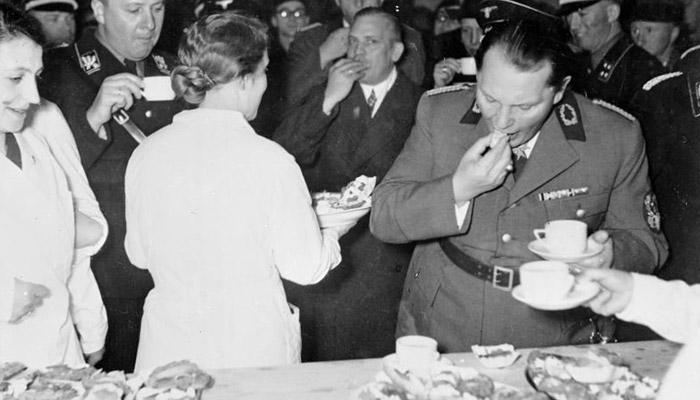 Hitlerův zástupce Göring spáchal sebevraždu