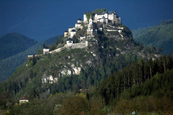 Nedobytny korutanský hrad Hochosterwitz