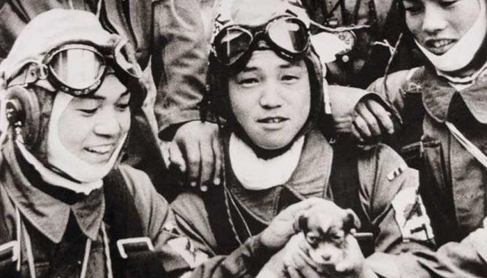 Odvahou kamikaze se inspiroval i Hitler
