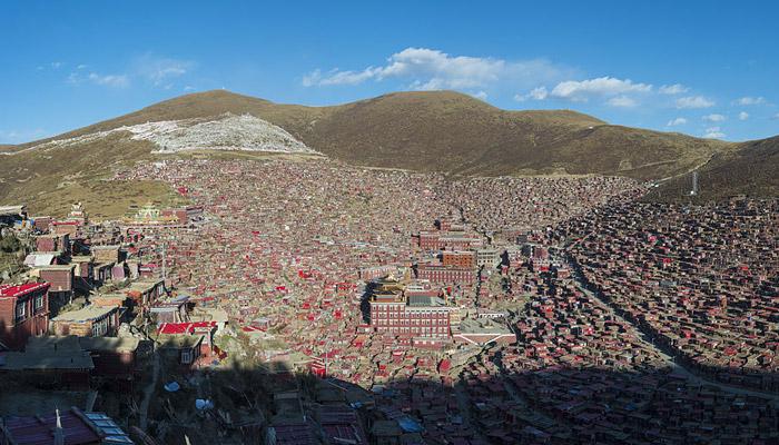 Larung Gar – největší buddhistická akademie světa