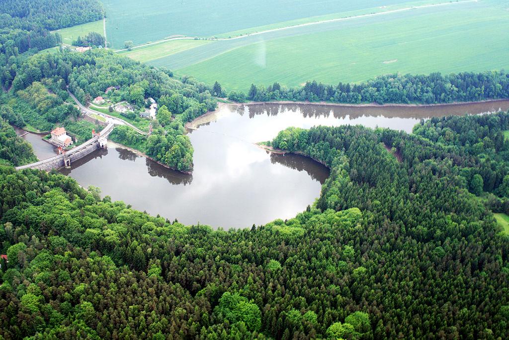 Vodní nádrž Les Království