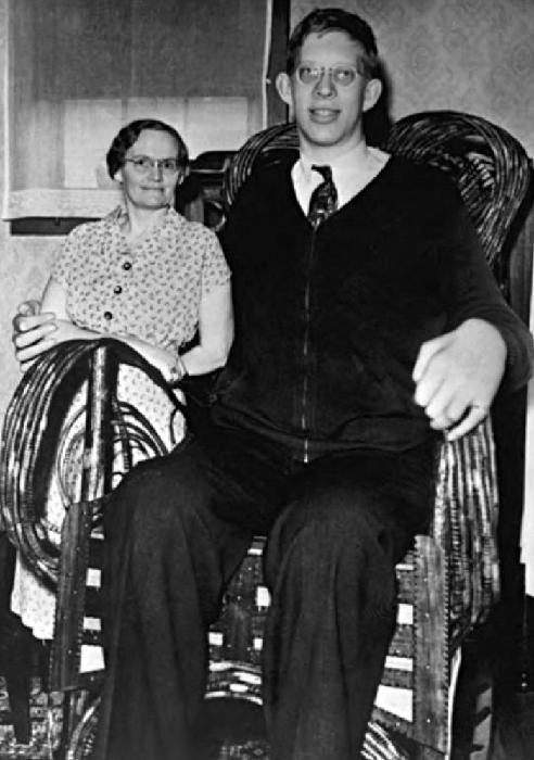 Nejvyšší muž měřil 272 centimetrů
