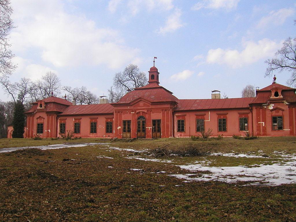 Lovecký zámeček Bon Repos leží nedaleko Nymburka