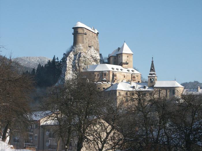 Oravský hrad vybízí k návštěvě Slovenska