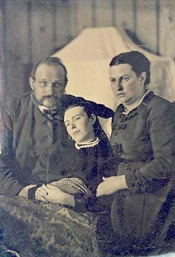 Mrtvoly na fotografiích aneb šílená viktoriánská doba