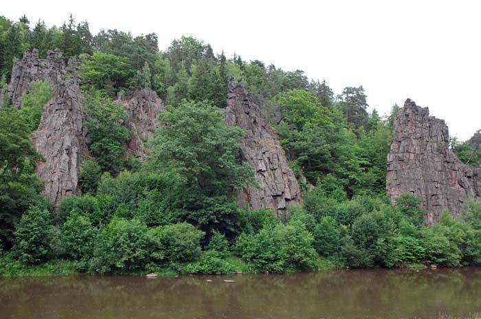 Zkamenělá svatba ve Svatošských skalách