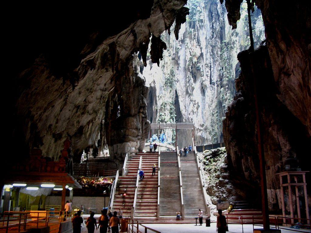 Sedm zajímavých světových jeskyní