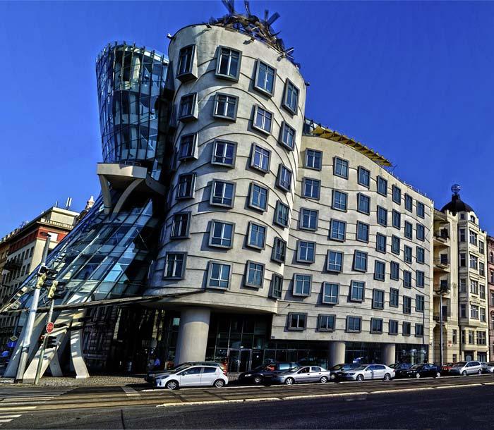 Pražský Tančící dům