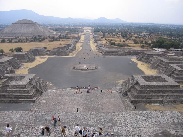 Předkolumbovské město Teotihuacán
