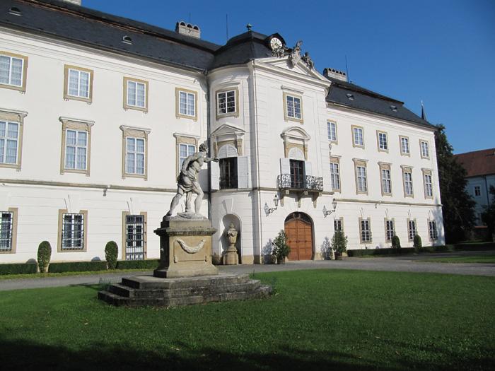 Vizovický zámek má bohaté interiéry